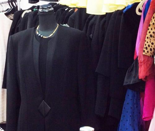 ルージュ伊勢佐木町店で販売する喪服