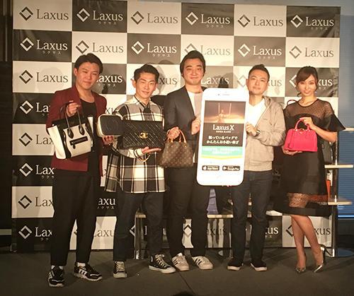 児玉昇司社長(右から2番目)とジャングルポケット、吉木りささんが記者発表に登壇
