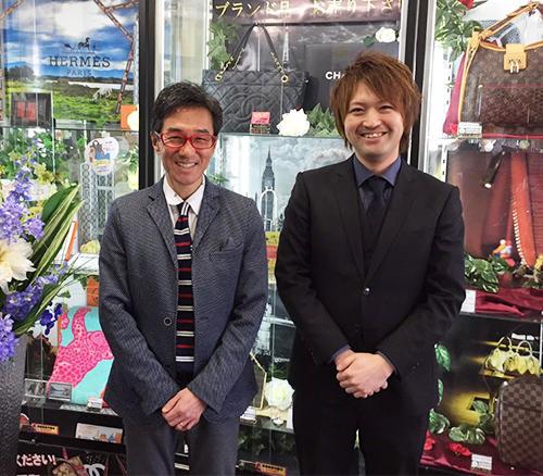 中村秀夫社長(左)と宝石キャッチャー開発者で統括マネージャーの天沼慎五氏