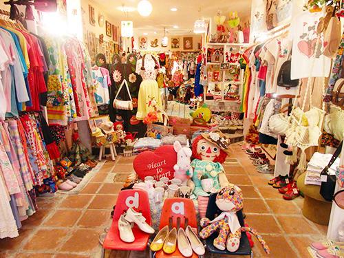 daidaiの店舗はインスタ映えすると、スマホ片手に来店するお客も多い