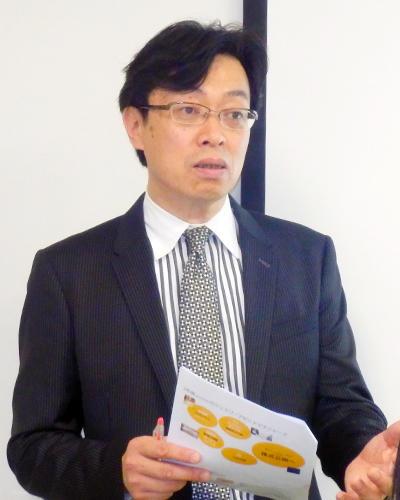 市場の成長性を話す藤野匡生社長