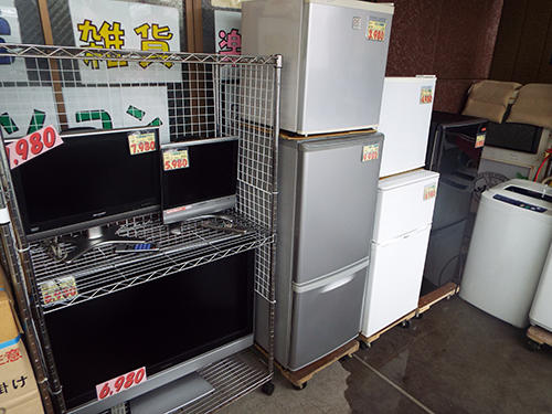 店先に並ぶ低価格家電