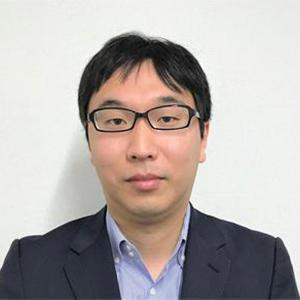 瀧井翔太 氏