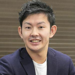 佐藤秀平 氏