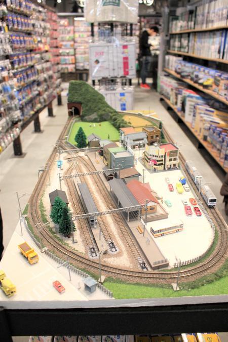 店内にある鉄道ジオラマ模型