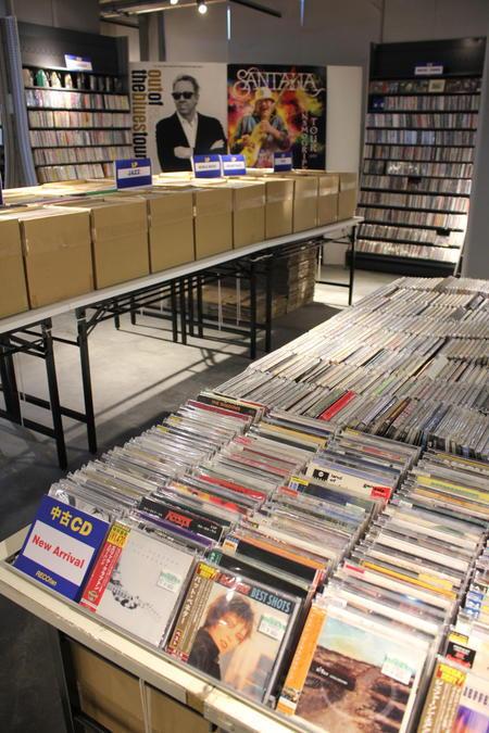 LP7000枚、CD2万点ほどを揃える
