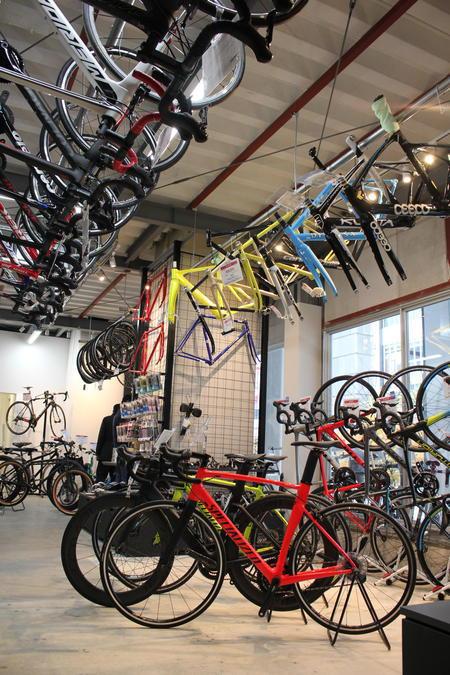 海外自転車マニアのニーズに応える店づくり