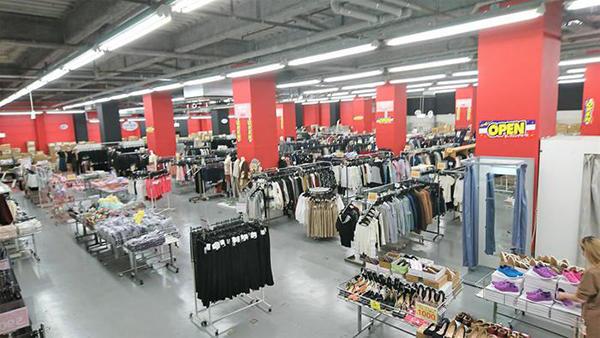 セールズラック京都店は800坪