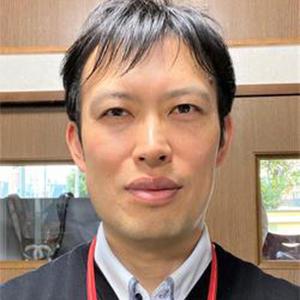 平岡憲司 氏