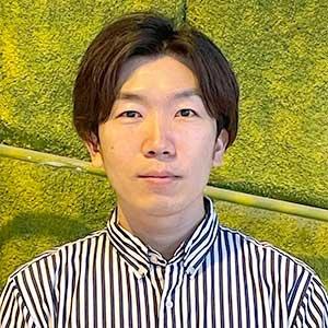 志津薫 社長