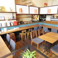 《ブックカフェ探訪№8》地元出版社が経営するブックカフェ