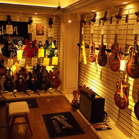三木楽器アメリカ村店、エレキギターで月4500万円