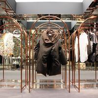 有名デザイナーズブランドの芸術的作品が一堂に Archive Store