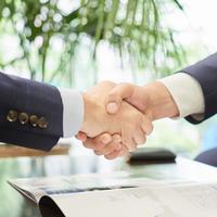 オークファン システム会社買収 開発力を強化