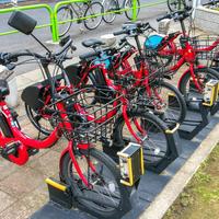 自転車のシェアサービスを行う、ドコモ・バイクシェアとオーシャンブルースマートの記者発表が行われる