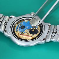ヌーヴ・エイ、ウェブで腕時計修理受付 3〜5営業日以内に対応