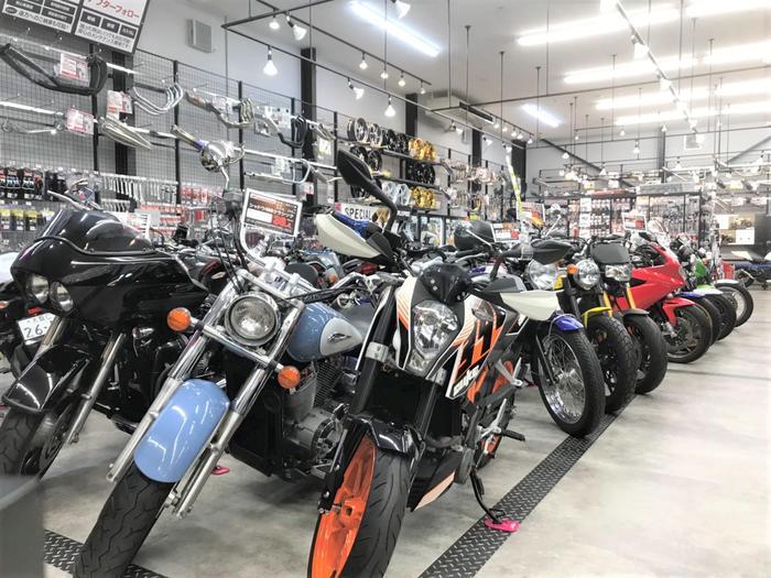 東大阪店中古バイク売り場.jpg