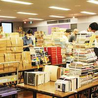 東京古書会館、待望の古物市場が閉鎖から2ヵ月ぶりに再開