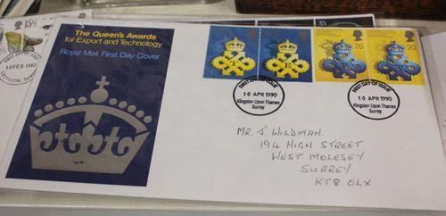 外国のFirst Day Cover(記念切手の発行日にその切手が貼られ、当日の消印が押された封筒類)も販売