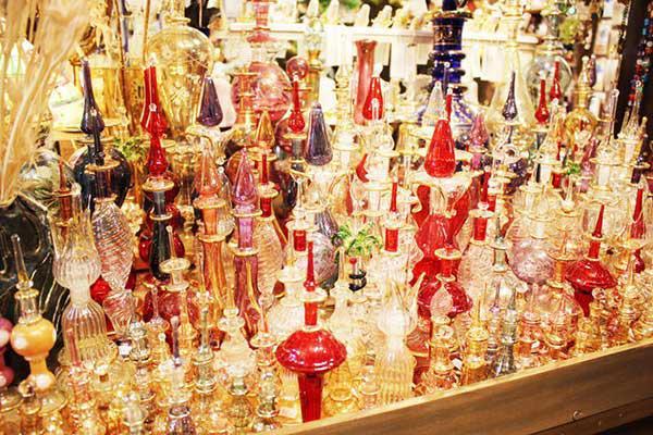 人気のエジプトから輸入している香水瓶