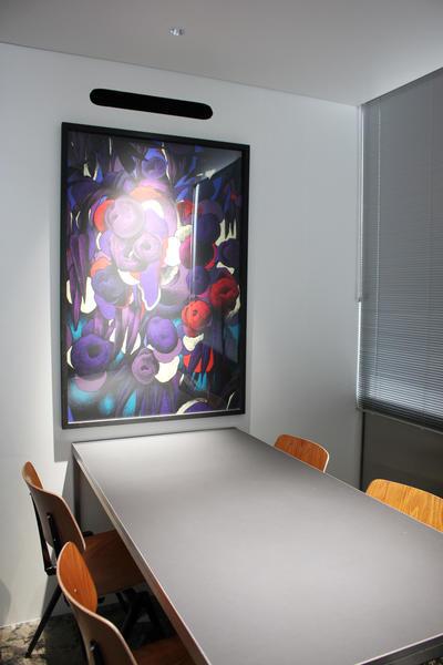 個室で仕切られている商談スペース