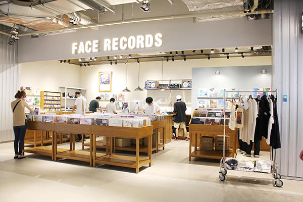 FACE RECORDSの店内