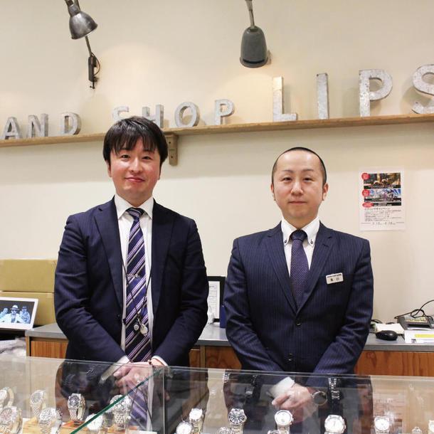 LIPS WACCA池袋店店長の亀谷大地さん(右)とスタッフの奈良孝太郎さん