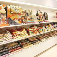 《繁盛店の店づくりVol.196》Tokyo135°原宿本店、「ママ振袖」も今風に変身